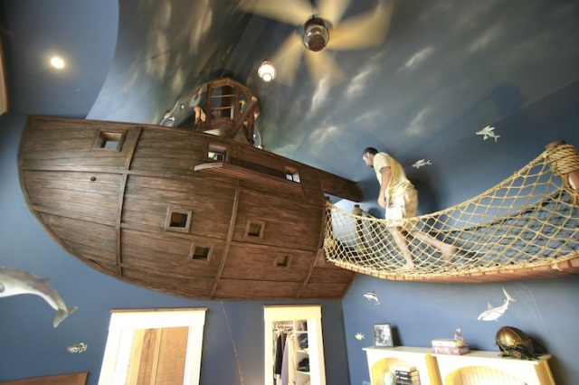 PirateShipBedroom11