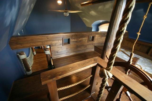 pirateshipbedroom2